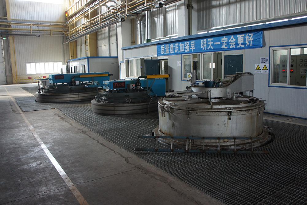 热处理井式气体渗碳炉