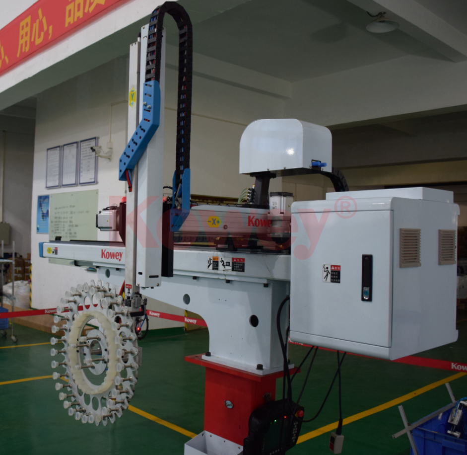 機械手治具-注塑自動化-一次性刀叉勺取出和堆疊治具-機械手治具定制