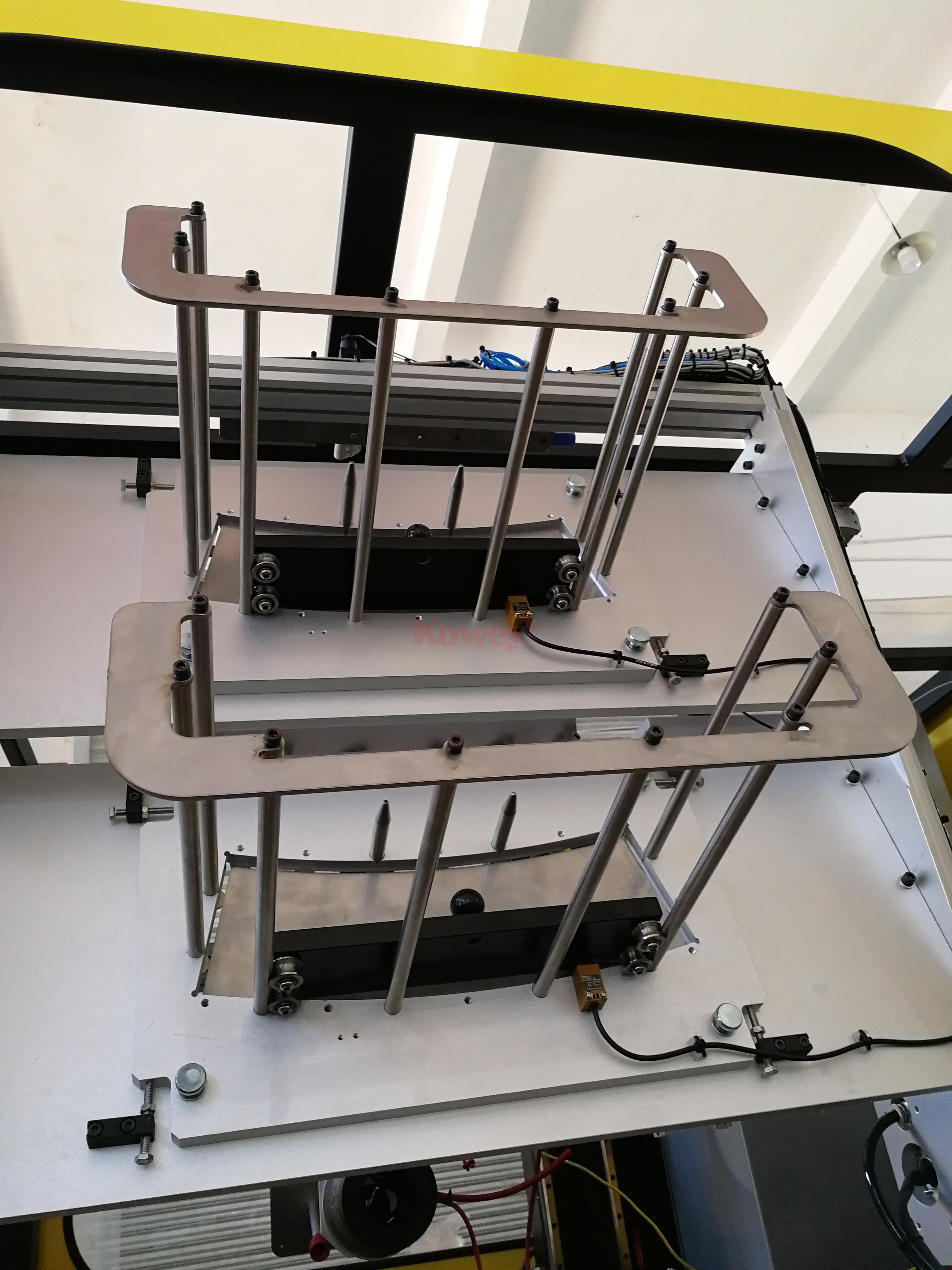 機械手治具-注塑自動化-側入式模內貼供標治具