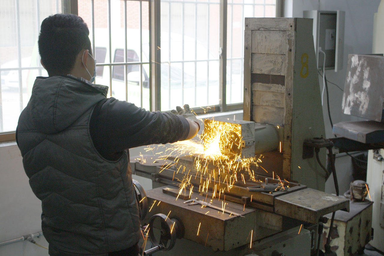 6 mould workshop