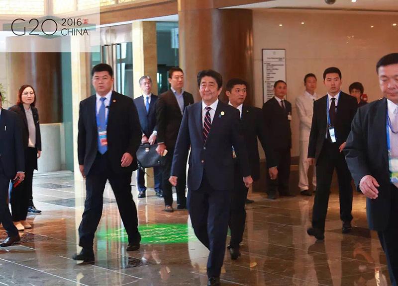 安倍首相出喜来登酒店