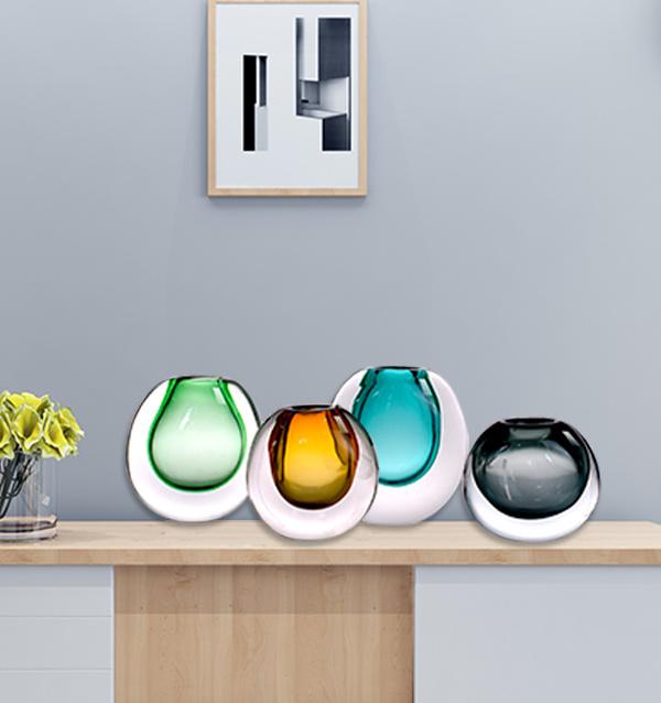 厚壁玻璃花瓶