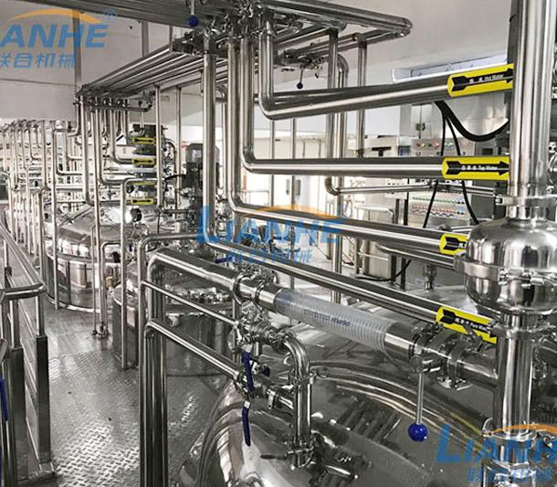 【广州联合机械】客户,大型洗护产品生产工厂,乳化制作间设备实拍。