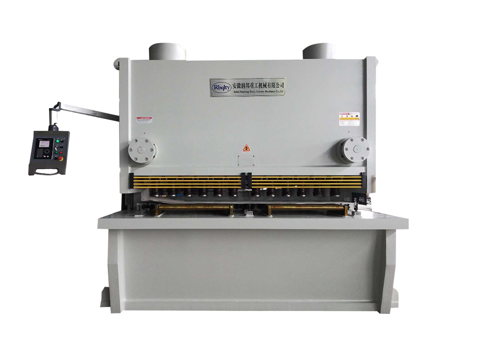 DAC360 伺服數控閘式剪板機